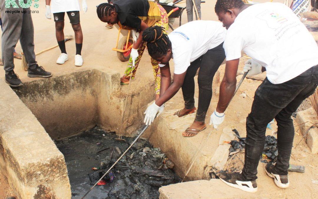 Community Clean Up at Fumesua